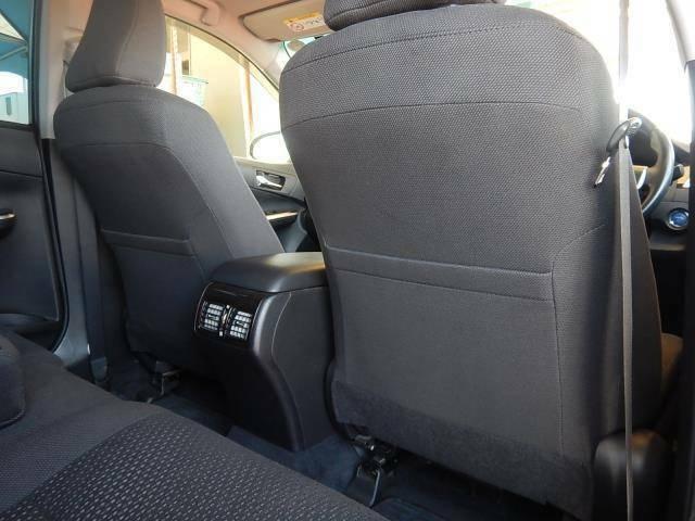 【運転席・助手席背面】運転席・助手席側共にシートバックポケットが付いています♪