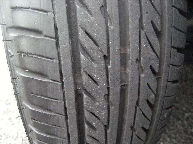 タイヤの溝もしっかり残っております。
