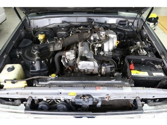 耐久性の高いトヨタのエンジンです。