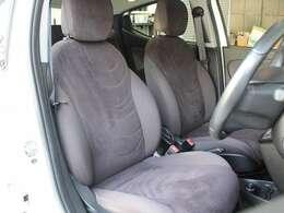 運転席、助手席共に綺麗なままのシートコンディションです。