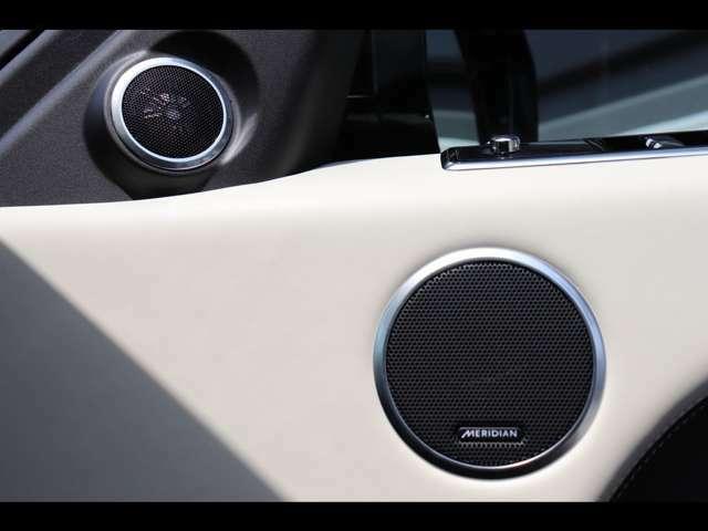 Meridianサウンドシステム。英国老舗メーカーのMeridianサウンドシステム搭載。澄んだ高音や大迫力の重低音を車内で堪能できます。