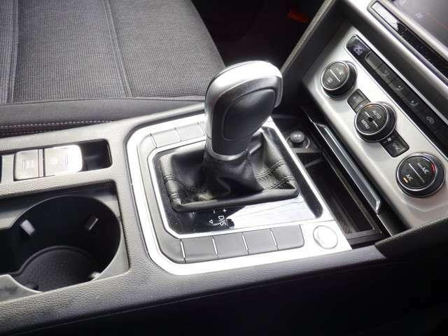 メーター周りやスイッチ類は、ドイツ車らしいシンプルな作りで、操作が簡単で扱いやすいです♪