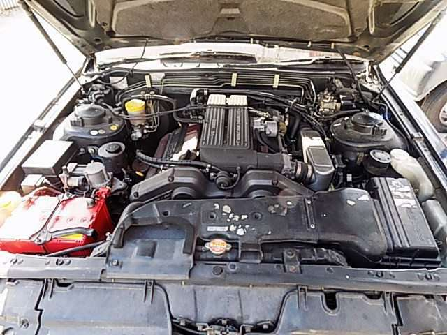 エンジンルームも簡易洗浄施工/オイルも新品に交換し、WAKO'SのEクリーンプラスでエンジン内部洗浄しその他の箇所も点検補充等行って納車。