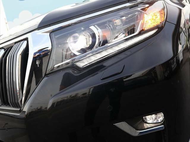 内装クリーニングは納得できるまで!納車時には中古車とは思えない仕上げを保証します!