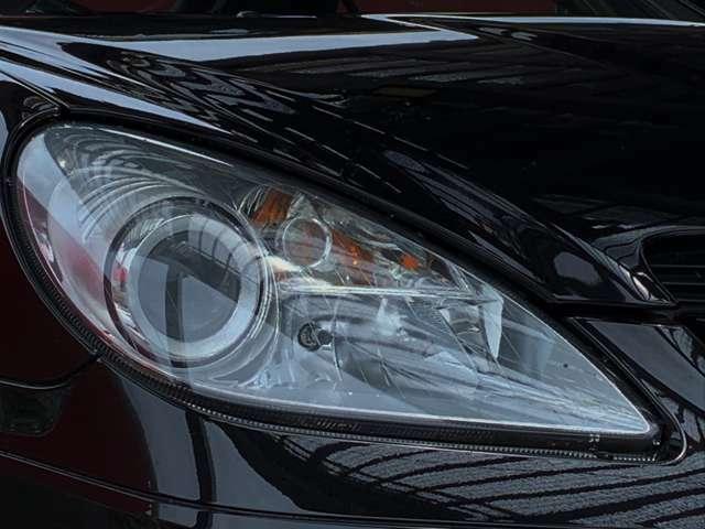 LEDヘッドランプは立ち上がりが早く、素早く前方を明るく照らしてくれます。