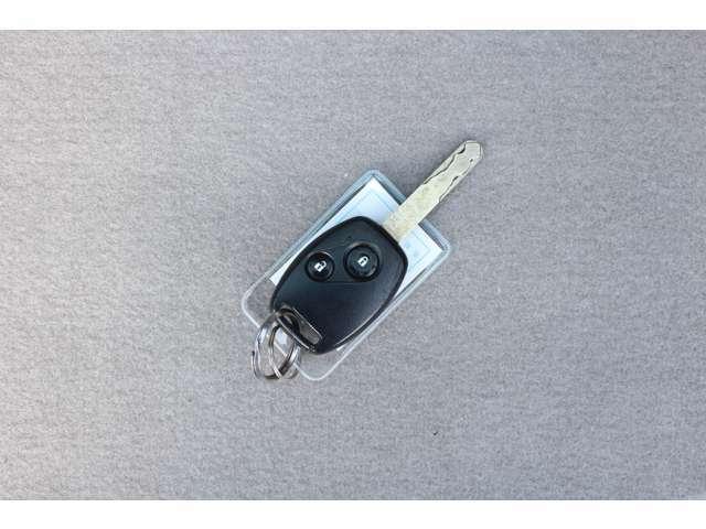 もちろんキーレスもついていますので開け閉めもらくらくで鍵で直接閉めると鍵穴周りが傷つきやすいですがそれも防げます!