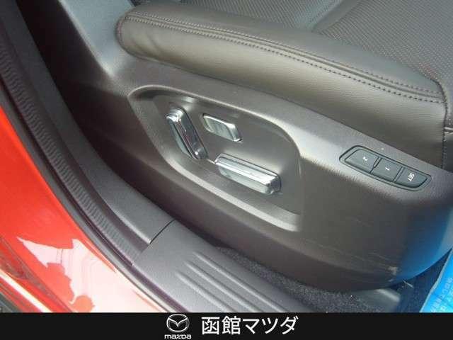 運転席にパワーシートになっており細かな調整が可能。