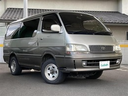 トヨタ ハイエース 3.0 スーパーカスタムリミテッド トリプルムーンルーフ ディーゼルターボ 4WD 軽油/トリプルムーンルーフ/社外アルミ