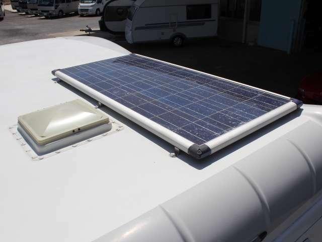 ソーラーパネルを1枚装備!