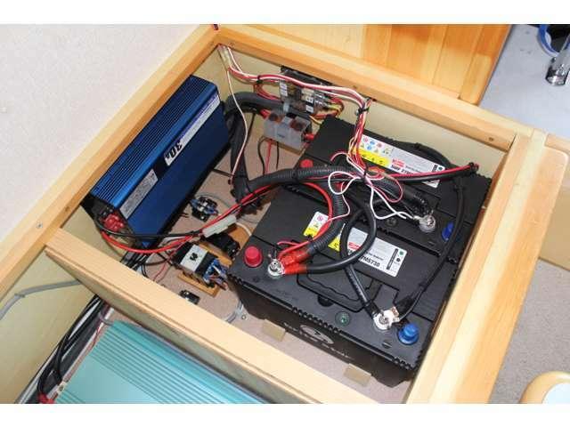 ツインサブバッテリー 1500Wインバーター 走行充電 コンバーター装備!電装品の充実した1台になります☆