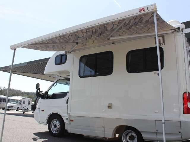 サイドオーニング装備です♪BBQやキャンプはいかがでしょうか!!