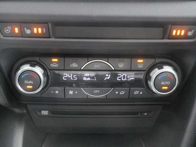フルオートエアコンで快適ドライブ!運転席シートヒーター機能付きで寒い冬のシートも瞬時に温まります♪