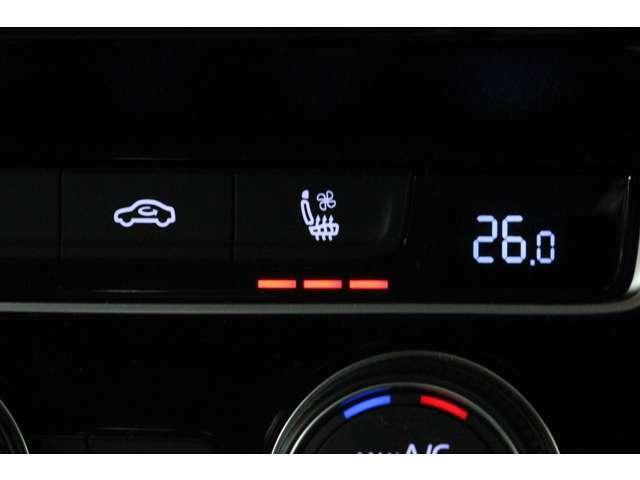 は、3段階に調節が可能なシートヒーターを装備しています。 冬場のドライブも快適に過ごせますね☆