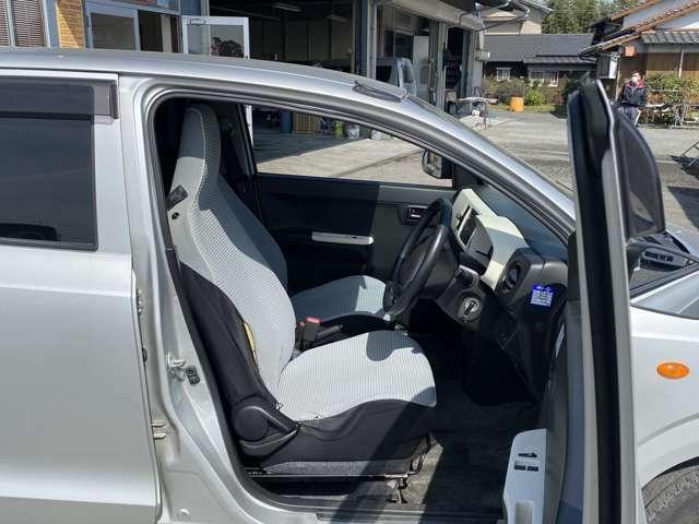 小郡市のカーズは、お客様のご予算に合わせたお車を、常時200台ほど取り揃えております!当店スタッフがお客様のお車選びをしっかりサポート・ご提案させていただきますのでご安心ください!