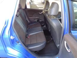 後席シートの状態もよく、足元も広々なのでゆったりと座れます!