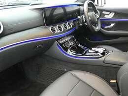 ブラックを基調とした車内にマットブラックアッシュインテリアトリムを採用!メルセデスベンツ特有の高級感を存分に堪能して頂けるインテリアになります!車内を彩るマルチカラーアンビエントライトも魅力です!