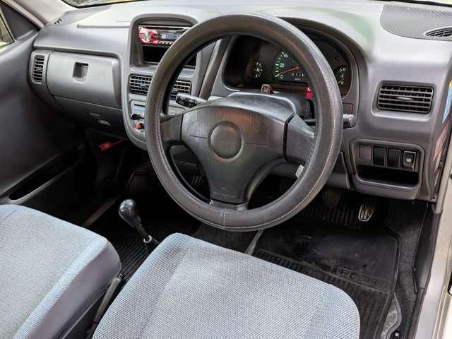 視認性の良いコクピット!見晴らしも良いのでこれなら運転しやすいですね!