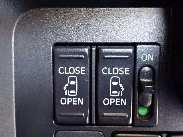 両側電動スライドドアの開閉はインパネスイッチで簡単操作できます!