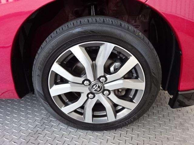 純正15インチアルミ!タイヤサイズは175/65R15です