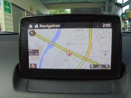 7インチWVGAセンターディスプレイ:独立型のディスプレイをダッシュボード上に設置、ドライバーは視線を下方に大きく動かすことなく情報を確認することができます!