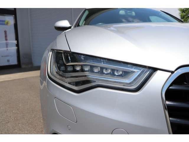 豊富な展示車は輸入車歴28年のベテラン仕入れ担当者が自信をもってお勧めできる車ばかりです!