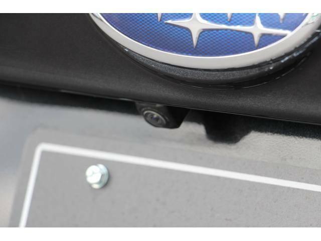 リヤの死角はバックカメラで安全を確保。(ナビゲーション装着時)