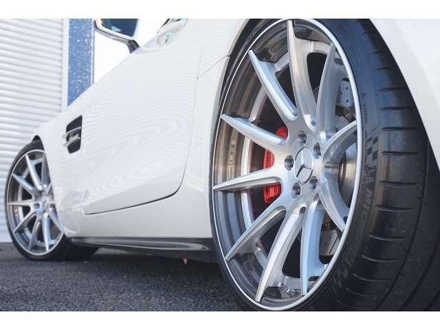 H&Rダウンサスペンションにて車高25mmダウンしております。