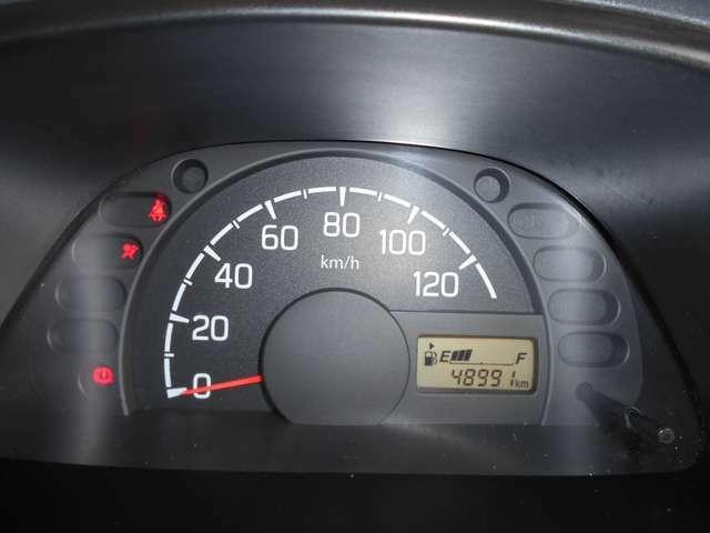 走行距離と事故歴無しはオ-クション会社の証明有りです。