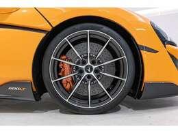 ■10スポークULTRAライトウェイトAW 最軽量ホイールでダイヤモンドカットカラーでございます。
