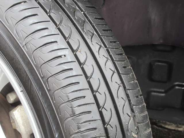 タイヤの溝もまだまだあるので安心ですね◇