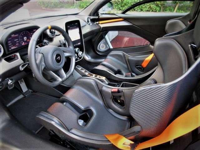 カーボンモノコックモノゲージIII  レザー/カーボンバケットシート