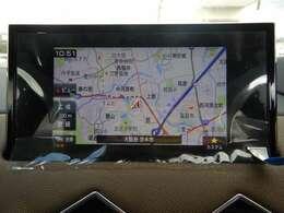 オプションのタッチスクリーン専用ナビ&フルセグチューナー(233200円相当)は地図の精度に優れるパイオニア製!