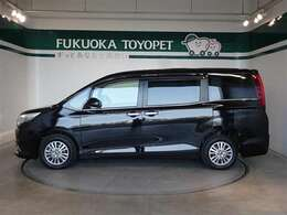 トヨタの上級ミニバン、エスクァイア Giが入荷しました。