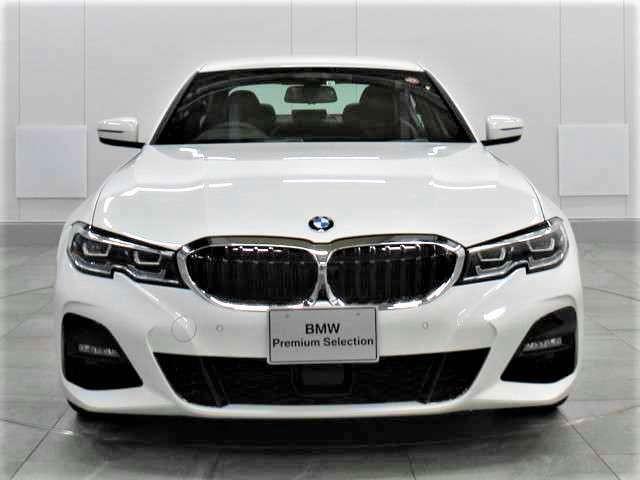 BMWの代名詞とも言えるキドニーグリル!アクティブ・エア・ストリームを採用し最先端の空力性能を実現しました。