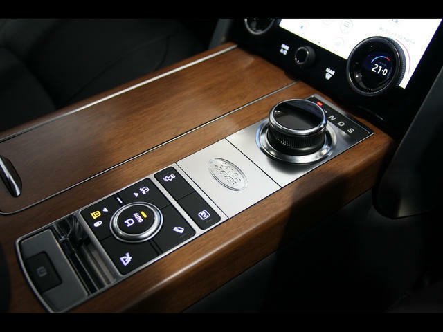 フロントフォグランプ、ピクセルレーザーLEDヘッドライトを装備しておりますので視界もばっちりです。