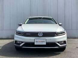 """""""Das WeltAuto""""はお客様の安全性のため、厳しい基準を設定しています。その厳しいチェックをクリアして選び抜かれた車両だけを、より良いコンディションに仕上げてお届けします。"""