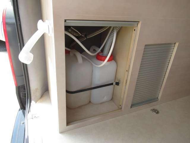 給水排水ポリタンク!内外装の状態がわかる「画像配信サービス」!ご要望箇所の画像をメールでお送りいたします!