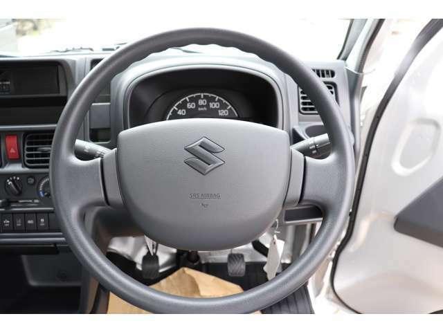 当社はスズキ販売ディーラー店として、新車の届出済未使用車を販売しております。