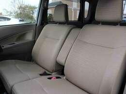 シート破れ、ヘタリ等なくきれいな状態のフロントシートです。