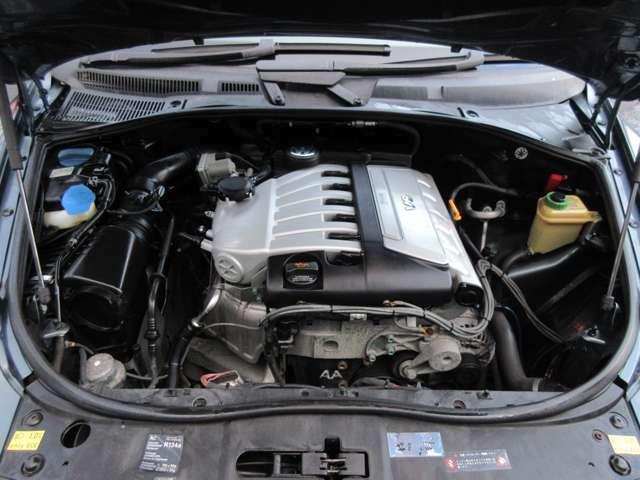 記録簿(R1.H29.27.18.17)5枚♪エンジンルームはクリーニング済みです♪エンジンは吹け上がりも良く変速もスムーズです♪チェーンですのでベルトのように10万km毎による交換などの心配も必要ございません♪