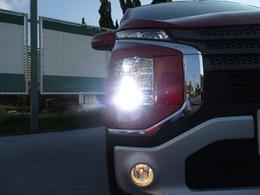 LEDヘッドランプ、LEDポジションランプ、フロントフォグランプが標準装備です。