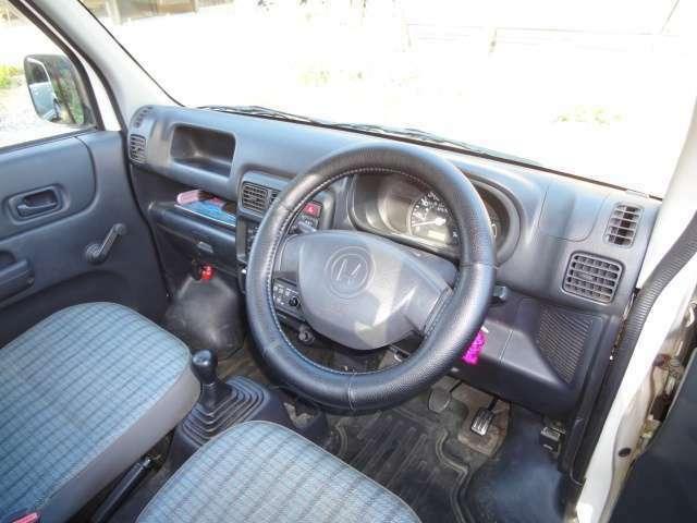 ワンオーナー 禁煙車 4WD 5速マニュアル エアコン パワステ