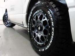 新車ハイエースVダークプライムII2800ディーゼル4WD床張りナビパッケージ完成致しました!!即納車もご対応可能になります!!