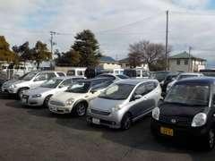 常時約30台の格安車を展示!軽自動車を中心に扱っております!