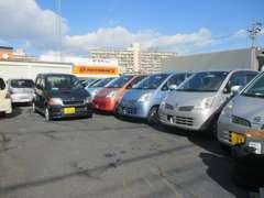 ディーラー出荷の良質車を中心に販売しています。安くても安心♪
