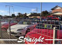 ロードスター専門店もございます!特にユーノスロードスターに関しては限定車、レア車等多数ございます。