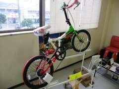 今のイチオシはこれ!ランボルギーニ製折りたたみ自転車。見たら惚れるカッコよさですよ。欲しい方には安くお譲りできます。