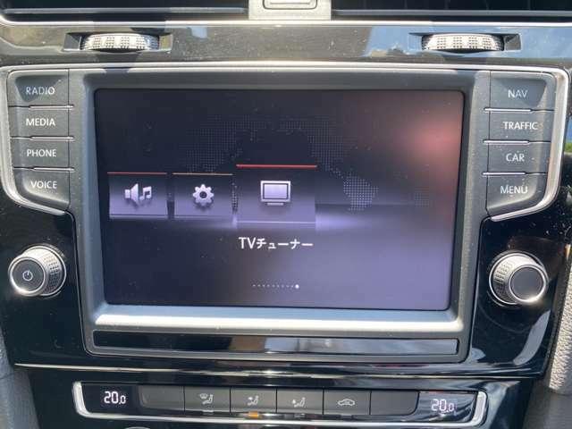 フルセグTV/DVD、SD再生/Bluetooth対応