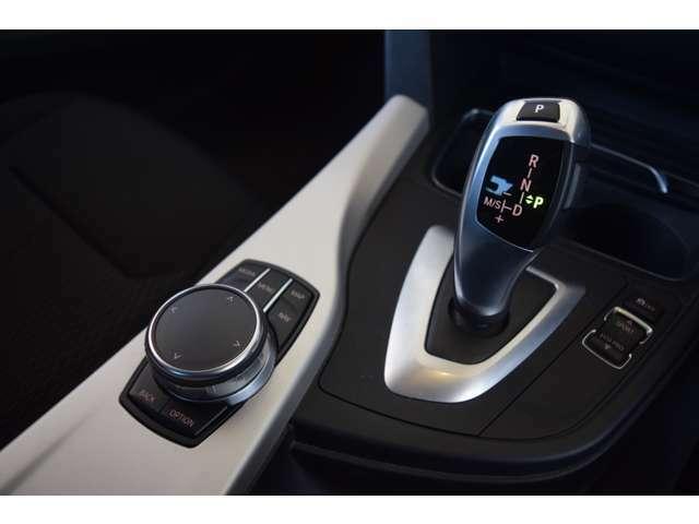 全国の正規ディーラーにて、対応可能な認定中古車保証付となります。アフターメンテナンスもお近くの正規ディーラーにて可能となりますので、ご安心してお選びけます。