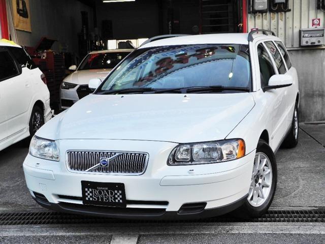 程度重視でお探しの方必見!1オーナー車で内外装共に驚く程美しいV70で御座います。